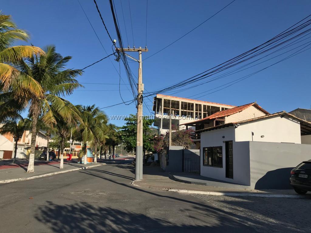 EXCELENTE PONTO COMERCIAL NO CENTRO DE ARRAIAL DO CABO PRÓXIMO A PRAIA